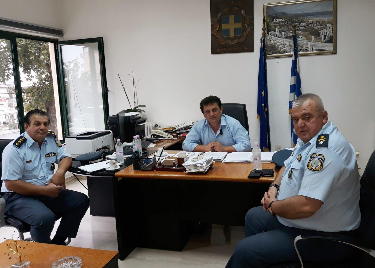 Αποτέλεσμα εικόνας για Συνάντηση του Δημάρχου Αλιάρτου – Θεσπιέων  Γ. Ντασιώτη με την ηγεσία της Αστυνομικής  Διεύθυνσης Βοιωτίας