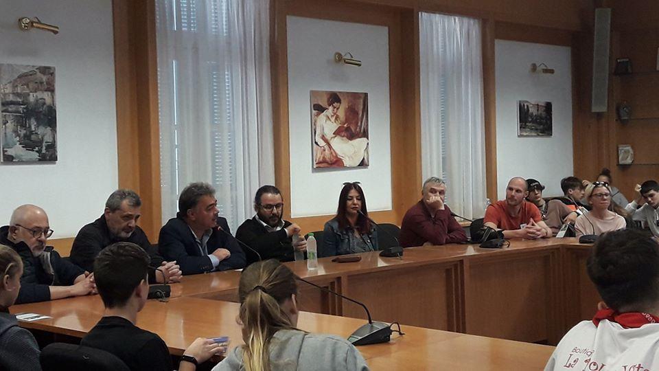 Αποτέλεσμα εικόνας για Συνάντηση στη Λιβαδειά με εκπροσώπους  και μαθητές σχολείων που συμμετέχουν  στο πρόγραμμα ERASMUS+